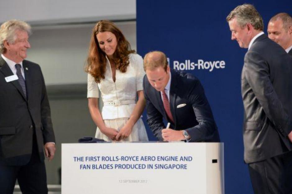 El príncipe Guillermo, duque de Cambridge, también es zurdo. (Foto: Getty Images)
