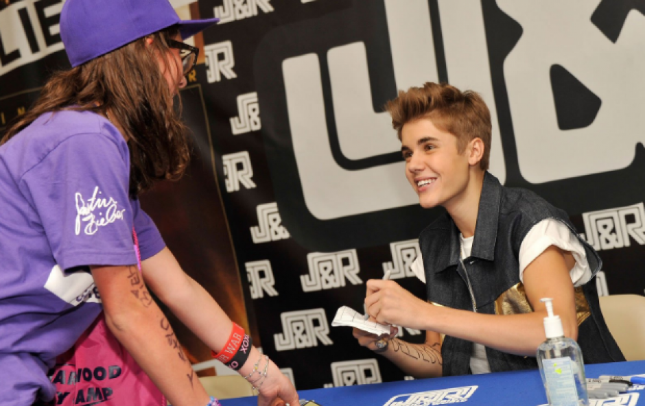 Otro de los famosos que es zurdo es el cantante juvenil Justin Bieber. (Foto: Parade)