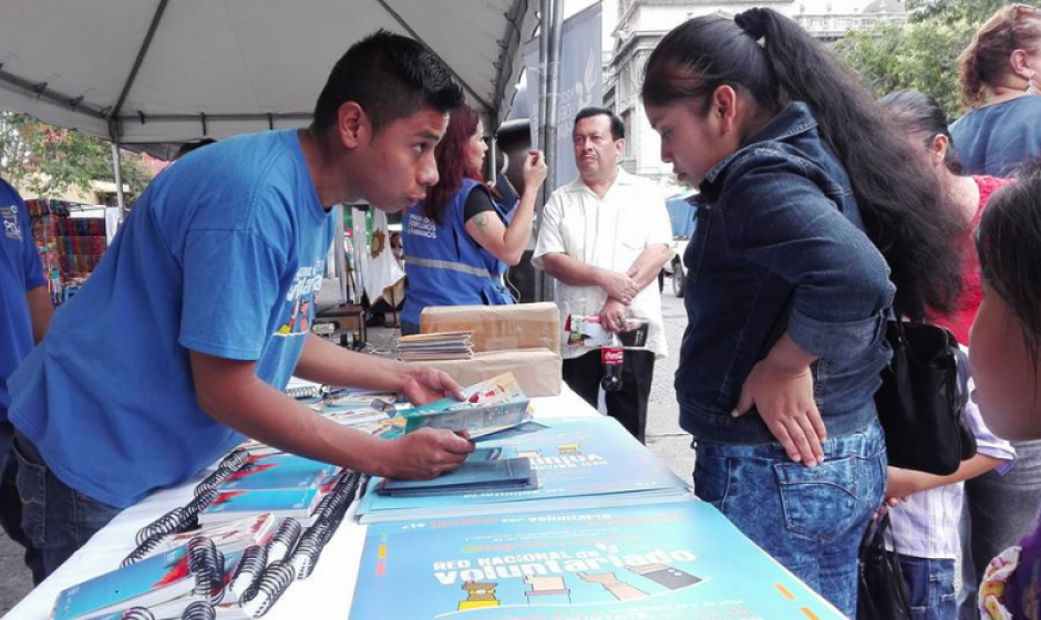 Como parte del Festival de la Juventud, también se instalaron kioscos informativos. (Foto: Marcia Zavala/Soy502)
