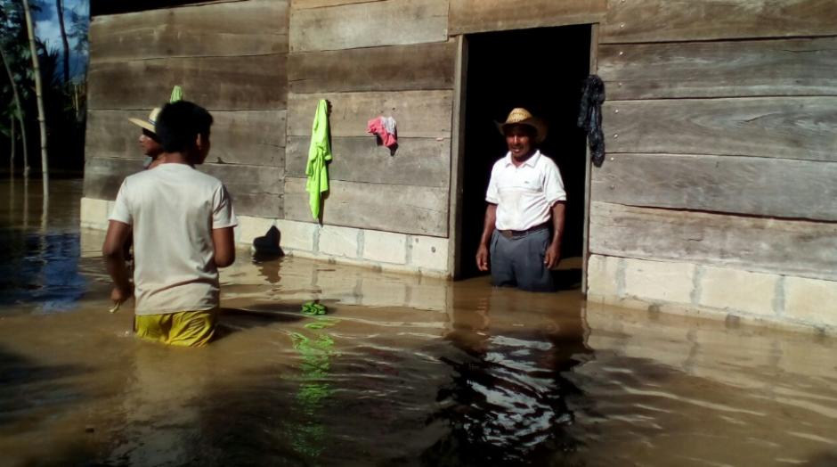 El desbordamiento ha afectado principalmente a la aldea Telemán, Panzós, Alta Verapaz. (Foto: Conred)