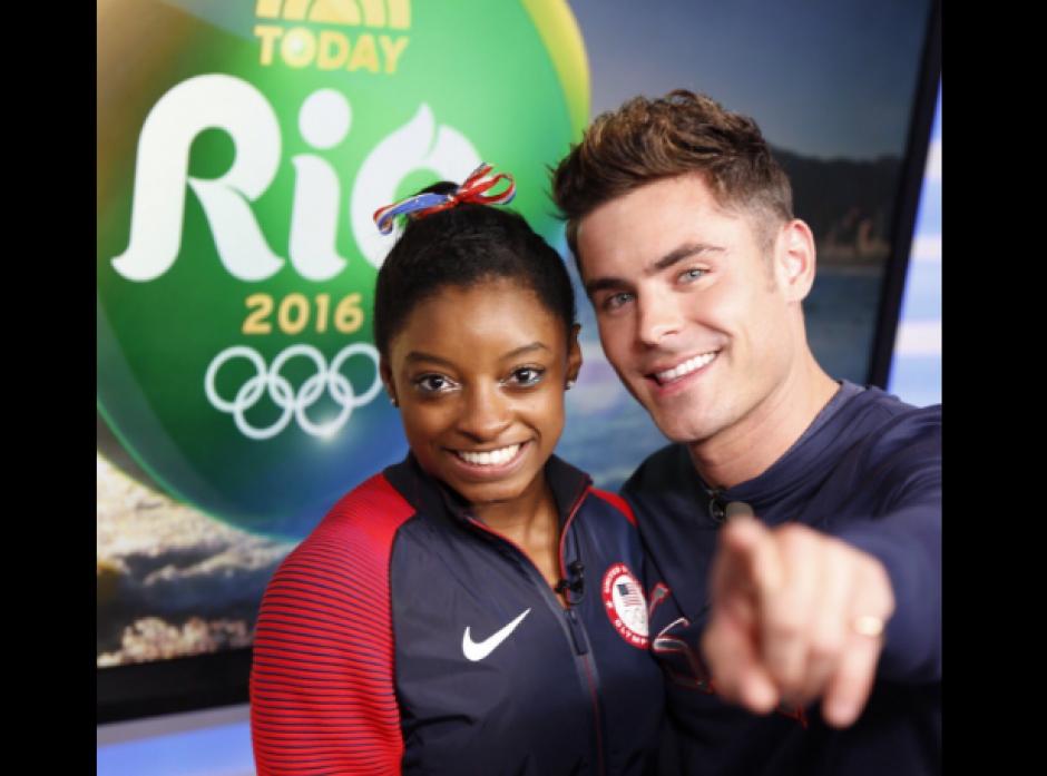 """La gimnasta olímpica de Estados Unidos conoció a su """"crush"""". (Foto: Twitter/@Simone_Biles/@ZacEfron)"""