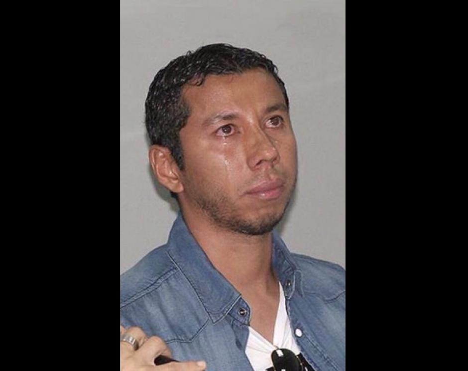 Se comparó el llanto de Jimmy con el de JJ Paredes al anunciar su retiro. (Foto: @Twitter/@LorenaJH666)