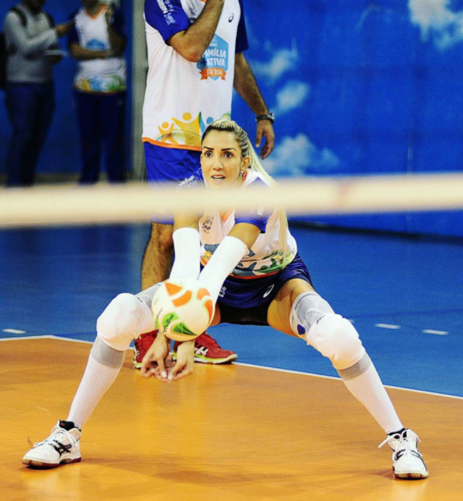 La hermosa jugadora participa en la liga turca de voleibol. (Foto: Instagram Thaisa Daher Pallesi)