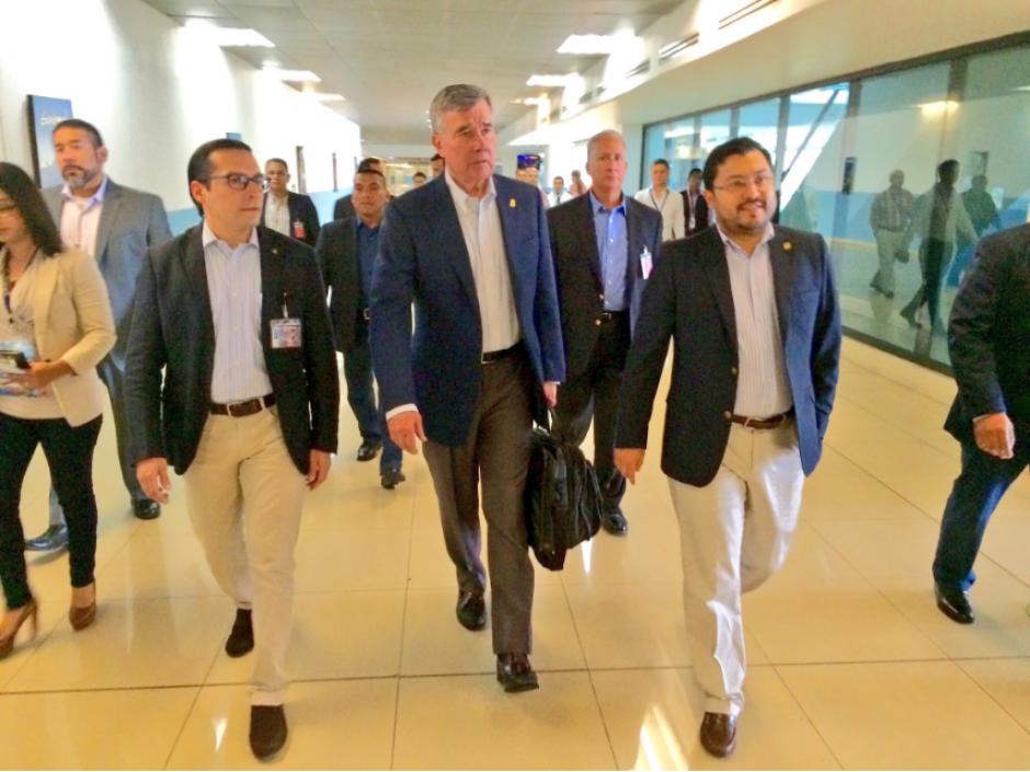El Comisionado Gil Kerlikowske llegó a Guatemala en una visita de cortesía. (Foto: Twitter, @usembassyguate)