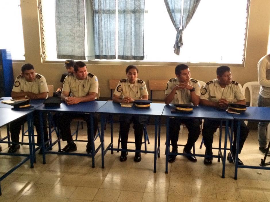 Para que una comisaría sea modelo debe promover programas de seguridad comunitaria e involucrar a los jóvenes. (Foto: Twitter, @usembassyguate)