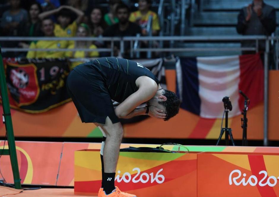 El guatemalteco kevin Cordón luchó con su lesión hasta el final. (Foto: EFE)