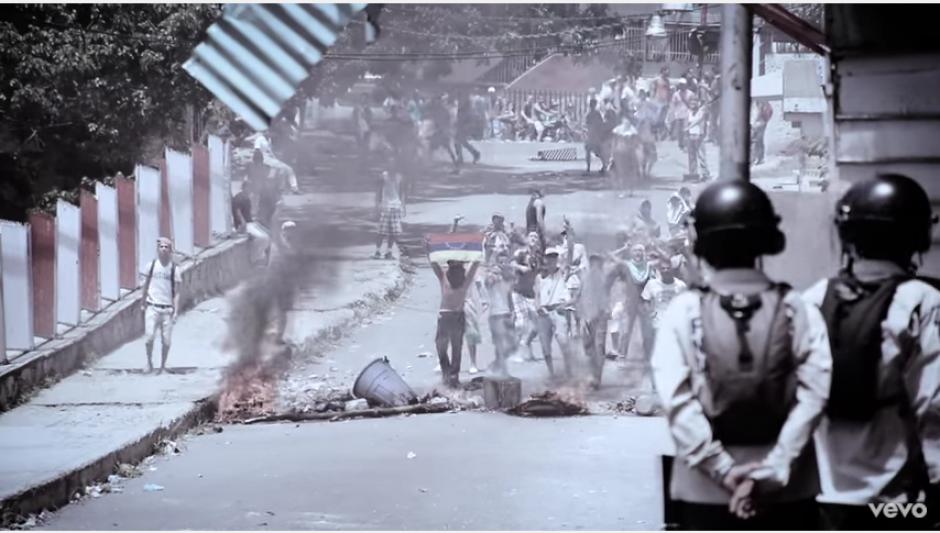 El cantautor muestra un ángulo distinto de la situación actual en Venezuela. (Captura Youtube)