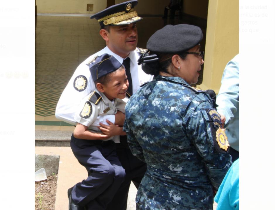 El pequeño siempre ha querido ser agente de la PNC. (Foto: PNC)