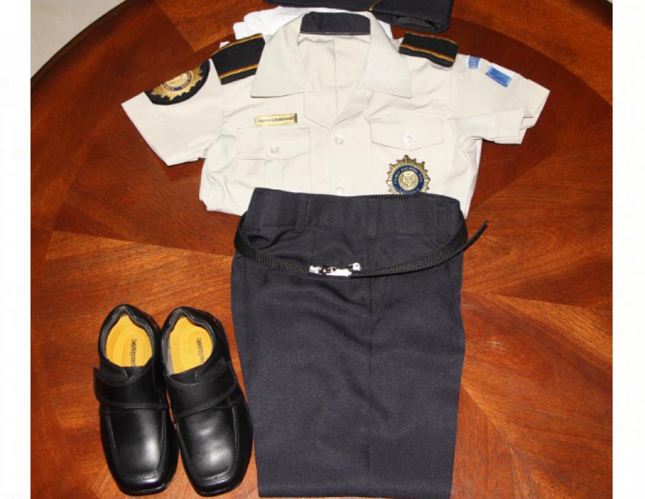 Este es el uniforme que porta el pequeño agente. (Foto: PNC)