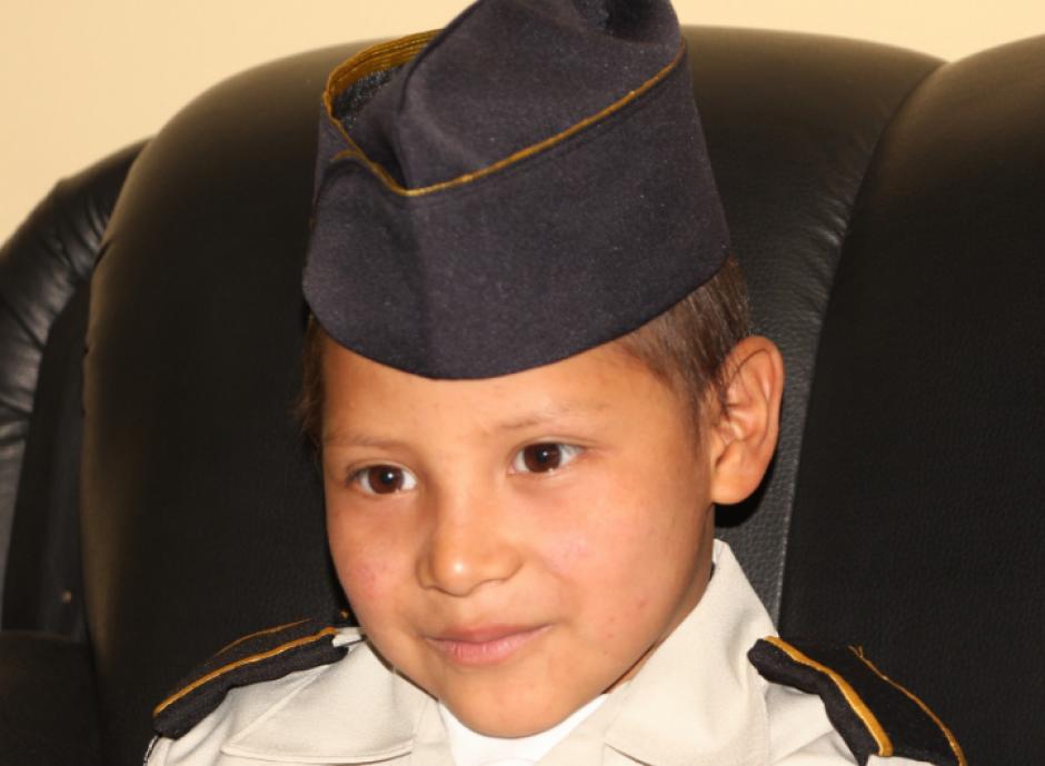 Luego fue uniformado e instruido. (Foto: PNC)