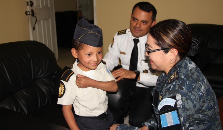 Finalmente estuvo en varias actividades policiales. (Foto: PNC)