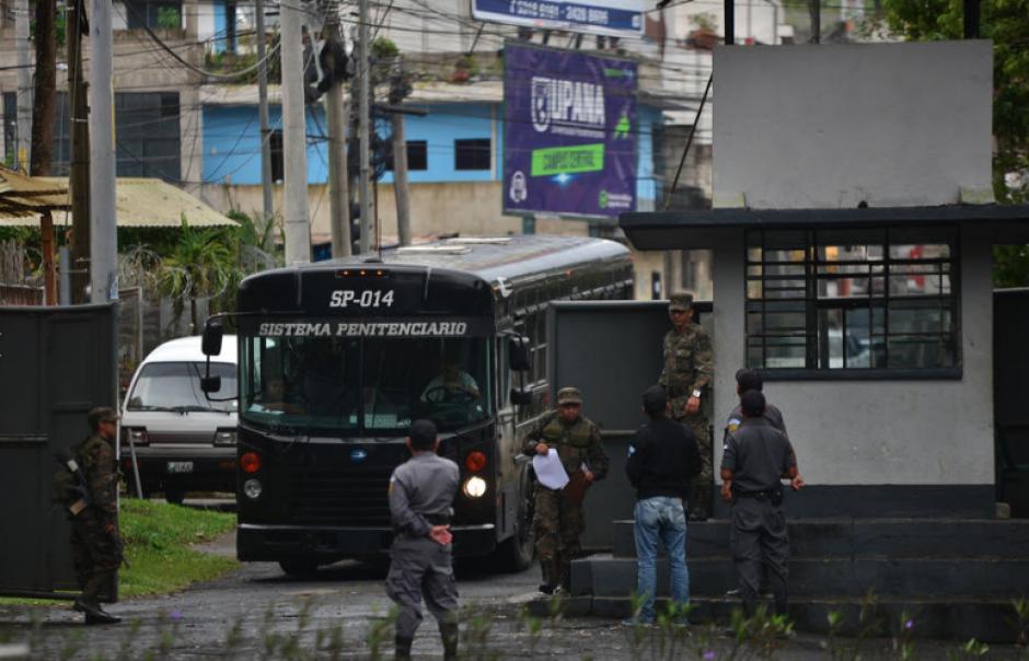 Recientemente, autoridades decomisaron licor y electrodomésticos en el interior del centro de detención de Mariscal Zavala. (Foto: Archivo/Soy502)