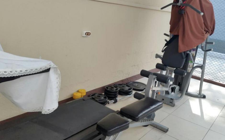Previo a que se iniciara la remodelación del centro de detención en Matamoros, se localizaron aparatos para ejercitarse. (Foto: MP)