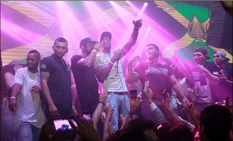 Bolt celebraba su cumpleaños en un club cuando la conoció. (Foto: Splash News)