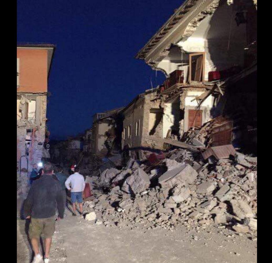 Los daños son visibles en la mayoría de las calles. (Foto: @VanguardiaSon)