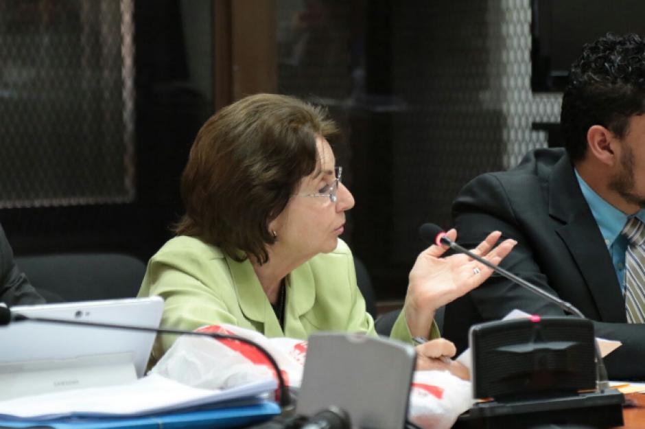 La madre de Barreda, Beatriz Ofelia de León, también es procesada por amenazas. (Foto: Alejandro Balán/Soy502)