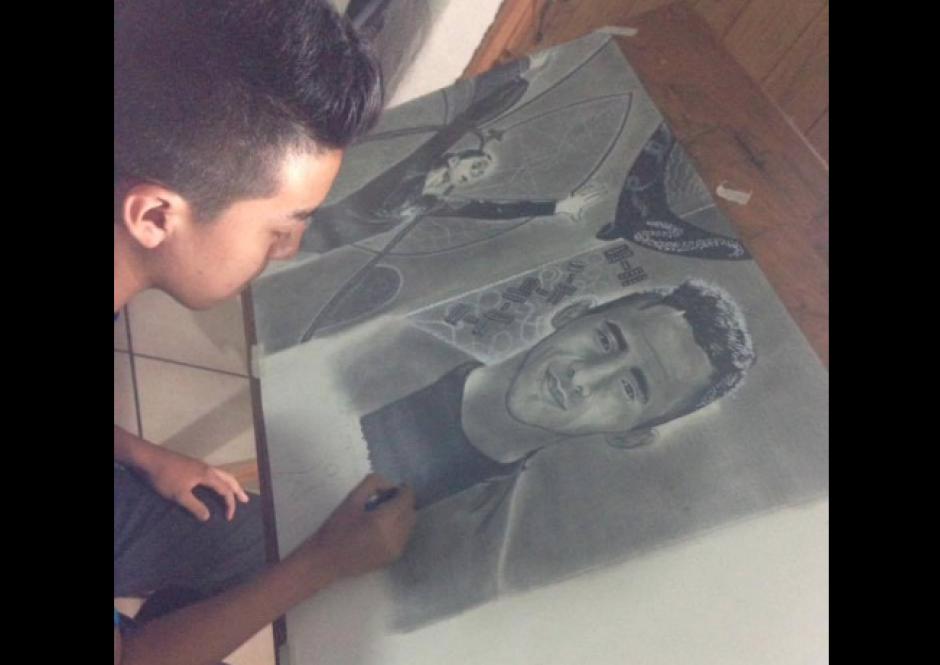 Alejandro tiene 14 años de edad y le apasiona la pintura. (Foto: Facebook/Alejandro Requena)