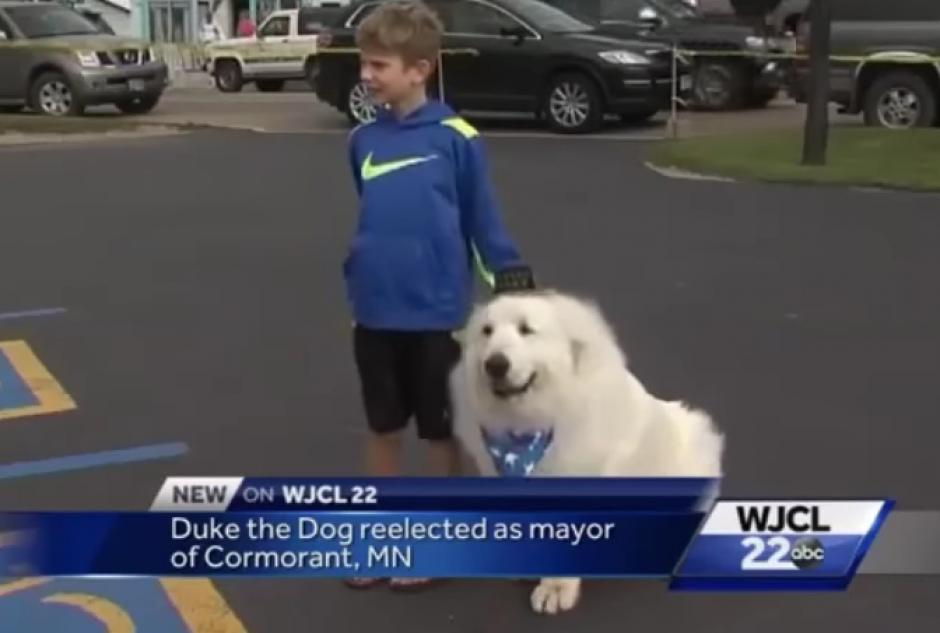 Duke es muy amigable con los niños. (Imagen: Captura de pantalla)