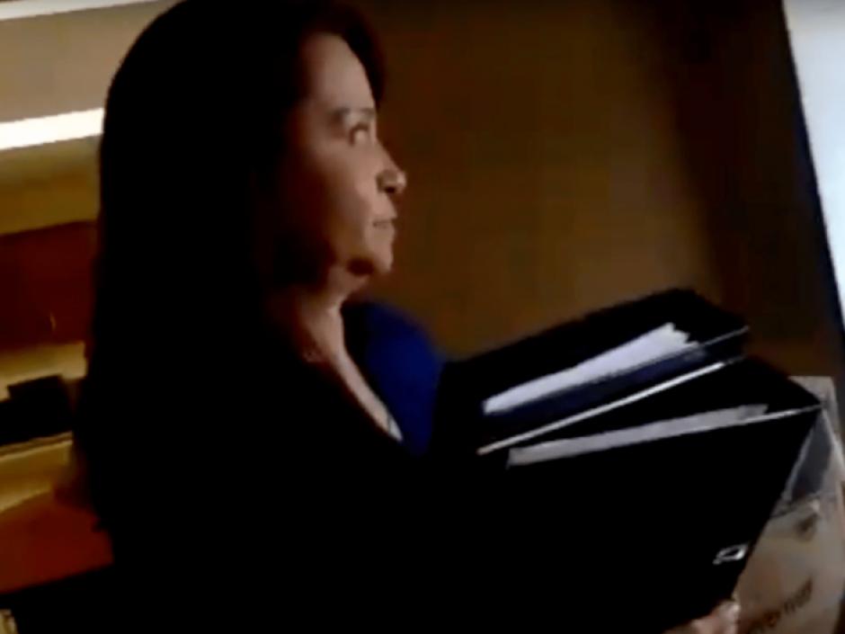 La secretaria de Rabbé, Carmen Portillo, fue citada por la FECI para ser indagada respecto al paradero de Rabbé. (Foto: Archivo/Soy502)