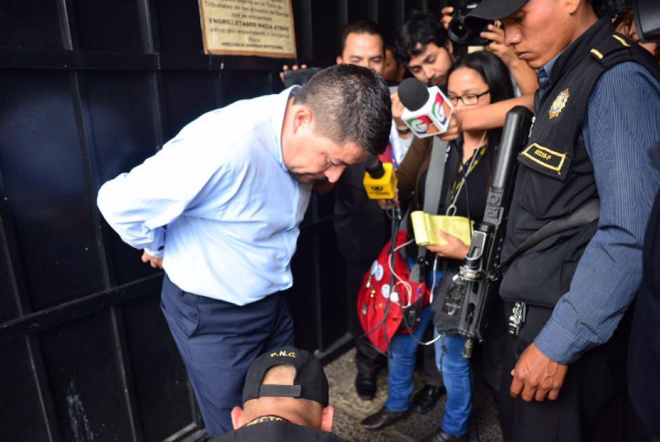 Victor Alvarizaes fue trasladado al Juzgado Décimo de Mayor Riesgo para conocer el motivo de su detención. (Foto: Jesús Alfonso/Soy502)