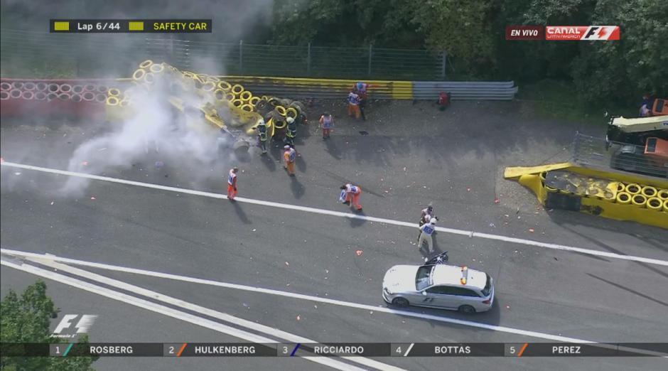 La carrera tuvo que detenerse para limpiar la pista. (Foto: F1)