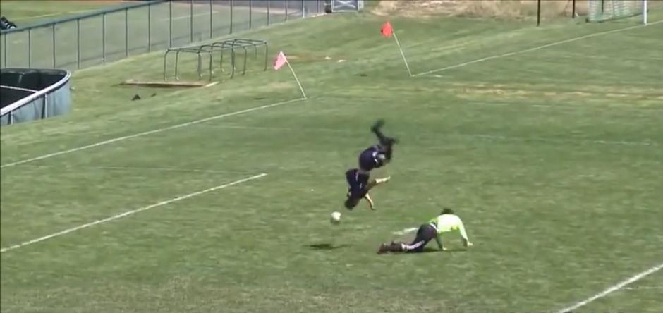 Un joven estadounidense marcó un gol con una pirueta en el aire incluida. (Captura de Pantalla)