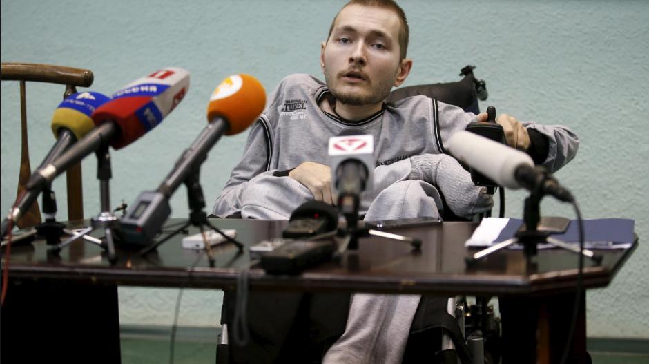 Valery Spiridonov es el voluntario para el experimento. (Foto: Huffington Post)
