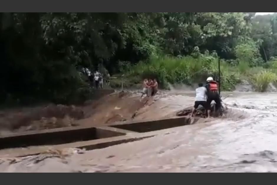 El galonista voluntario fue arrastrado por un río. (Foto: Noti Reu/Facebook)