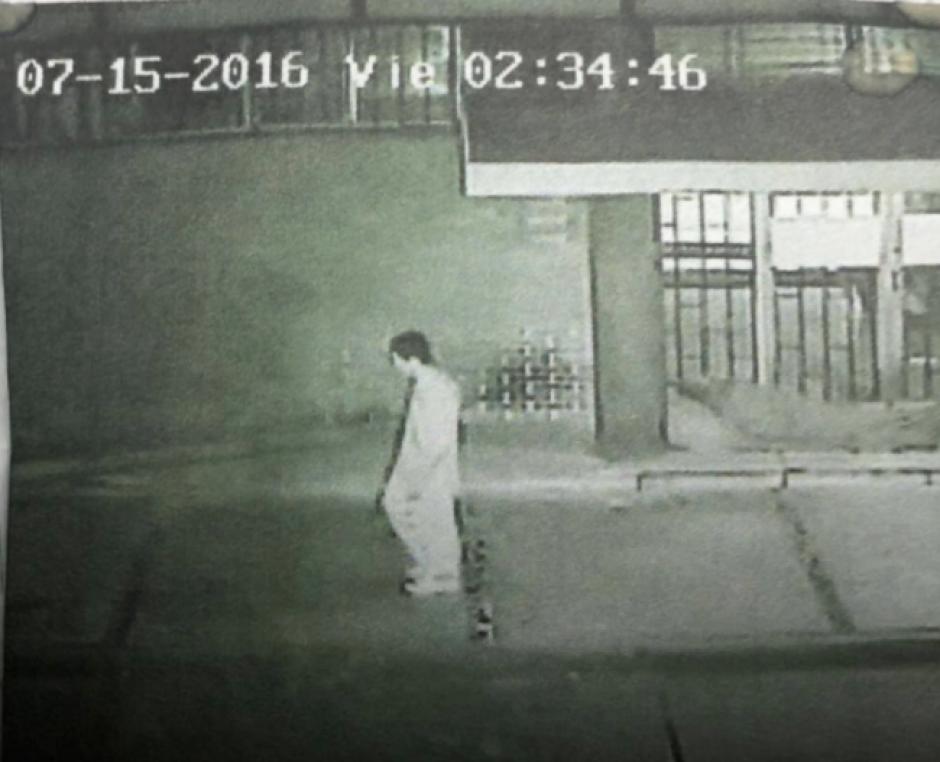 El Ministerio Público cuenta con imágenes de cámaras de vigilancia que demuestran las agresiones que cometió Gutiérrez. (Foto: Twitter/@DanielTzoc_eu)