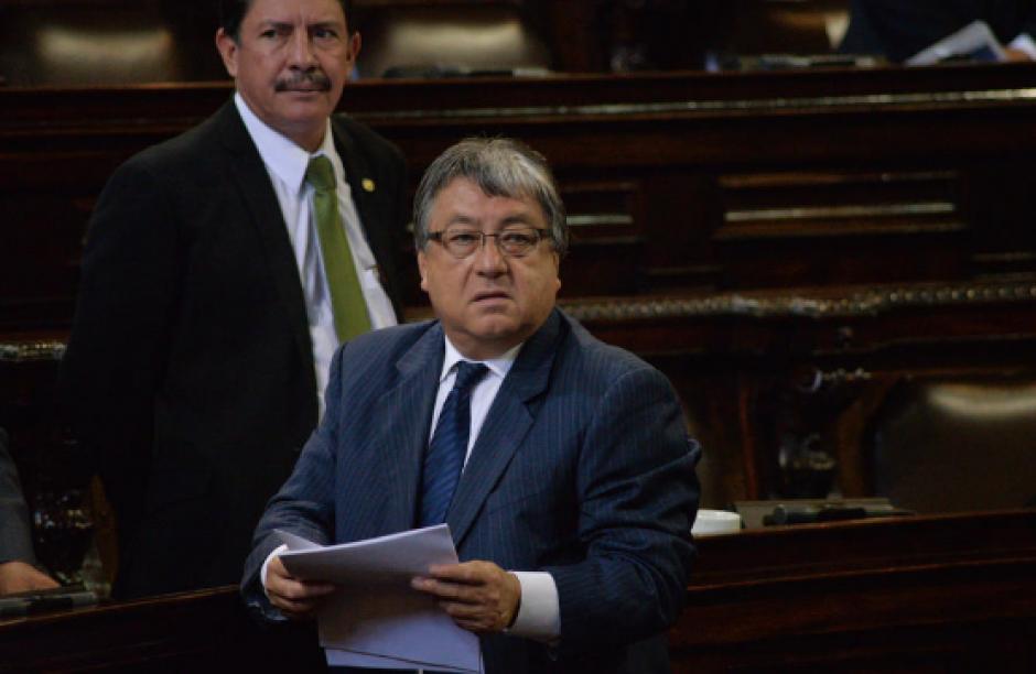 Al parlamentario César Fajardo se le habrían facilitado al menos tres plazas fantasma. (Foto: Archivo/Soy502)
