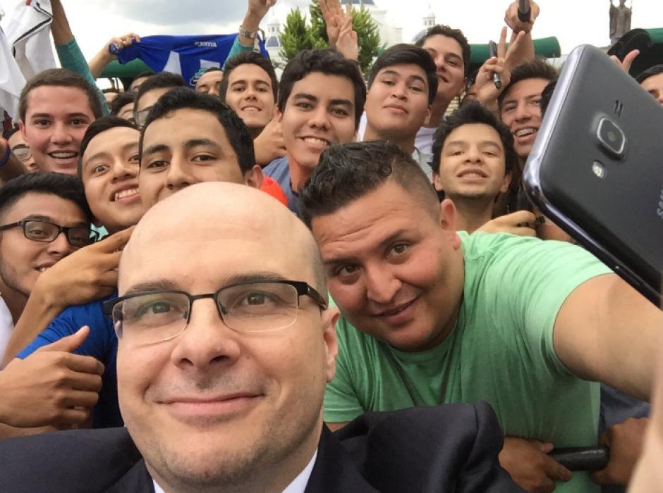 Su admiración por Guatemala fue demostrada. (Foto: Twitter/@2010MisterChip)