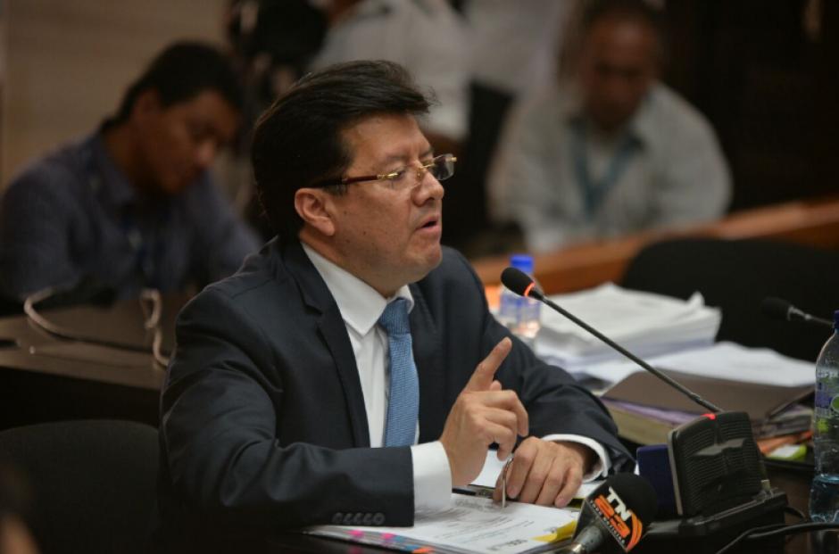 El magistrado Douglas Charchal es señalado de beneficiar el usufructo de TCQ con una resolución judicial. (Foto: Wilder López/Soy502)
