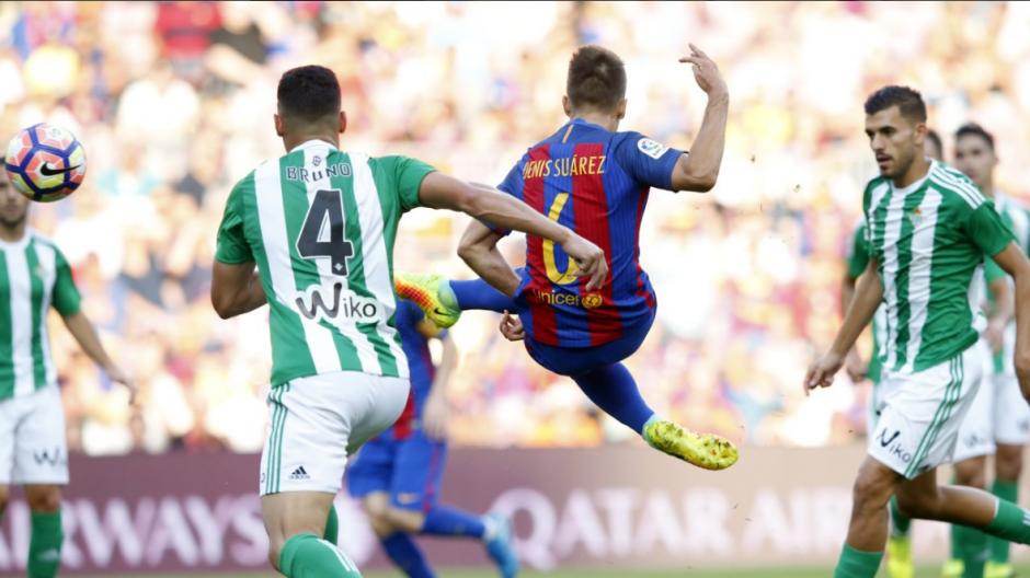 Denis Suárez se quedó con el emblemático 6 de Xavi. (Foto: EFE)
