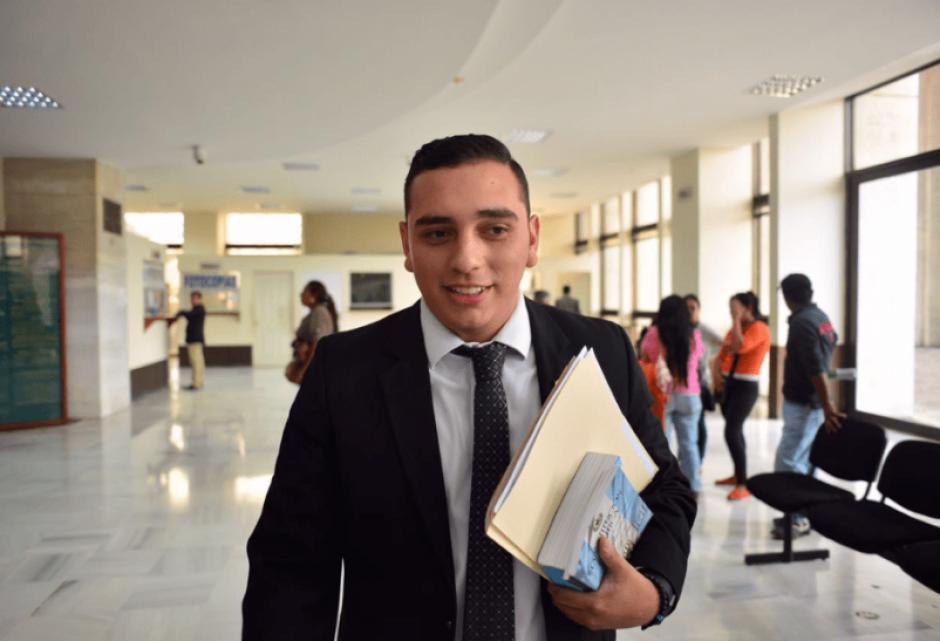 Manuel Giordano acudió al Ministerio Público con el propósito de hacer entrega de su pasaporte y un memorial para ponerse a disposición de la justicia. (Foto: Archivo/Soy502)