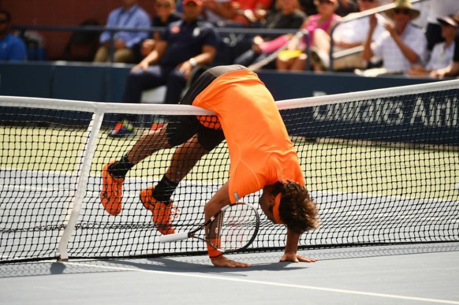 Durante el partido también protagonizó esta curiosa imagen después de un punto. (Foto: US Open)