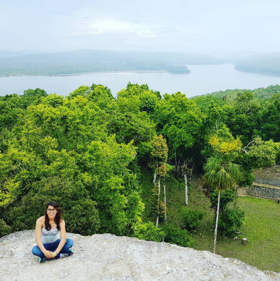 Ana Sofía subió esta otra imagen con el bosque de Yaxhá de fondo. (Foto: Instagram)