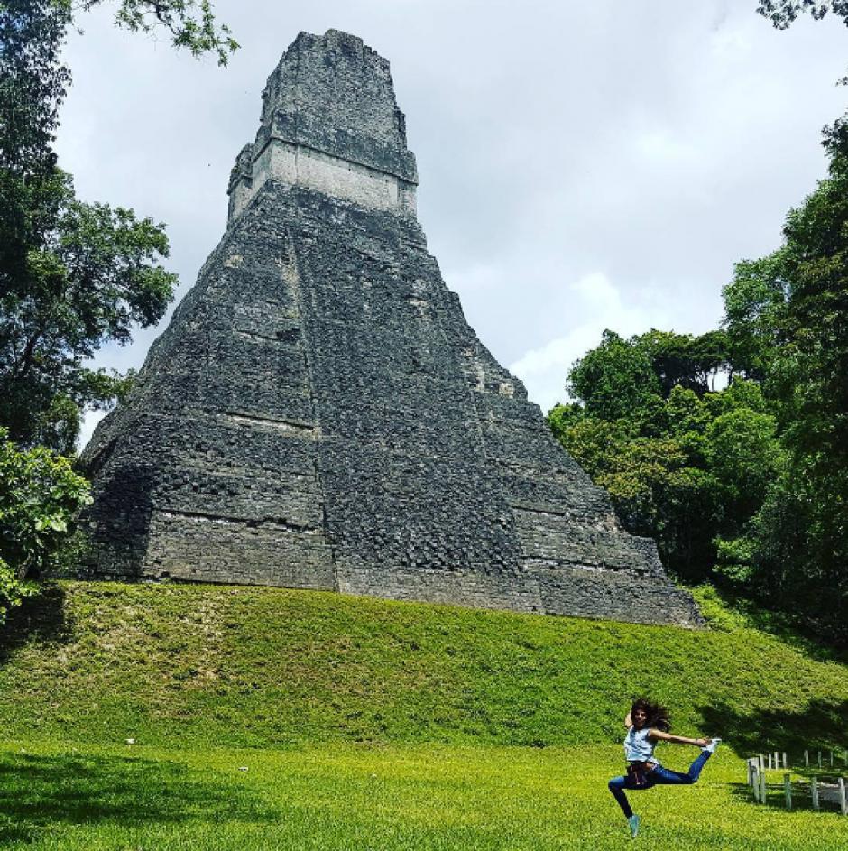 La gimnasta guatemalteca posó delante del famoso templo. (Foto: Instagram)
