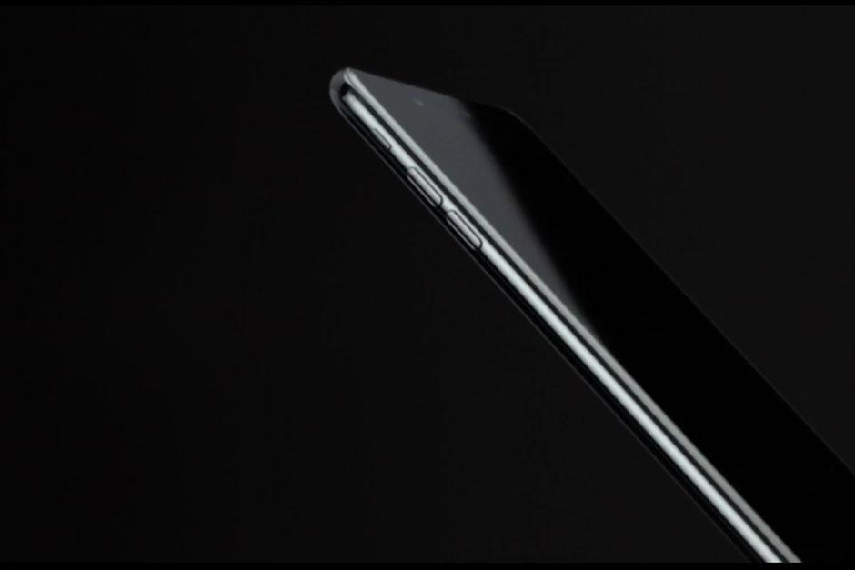 El nuevo dispositivo es resistente al agua y promete fotografías perfectas. (Foto: Apple)