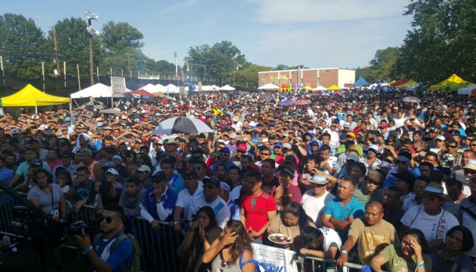 A la actividad que se realiza en Washington acudieron centenares de guatemaltecos. (Foto: MP)