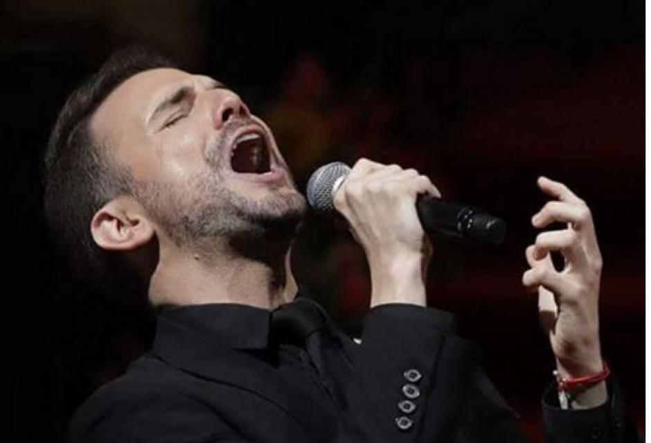 El cantante español Jas Davael cantó en la despedida de Juan Gabriel. (Foto: Instagram)