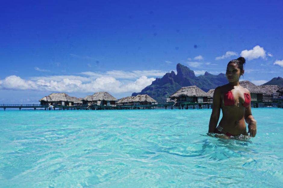 Kasi Bennett en plenas vacaciones junto a su novio Usain Bolt. (Foto: Instagram)