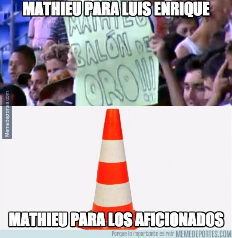 Mathieu metió un gol, falló otro y estuvo mal en defensa. (MemeDeportes)