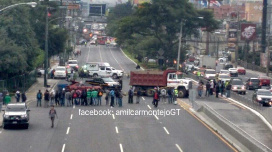 La vía hacia el occidente está cerrada debido al incidente. (Foto: Amílcar Montejo)