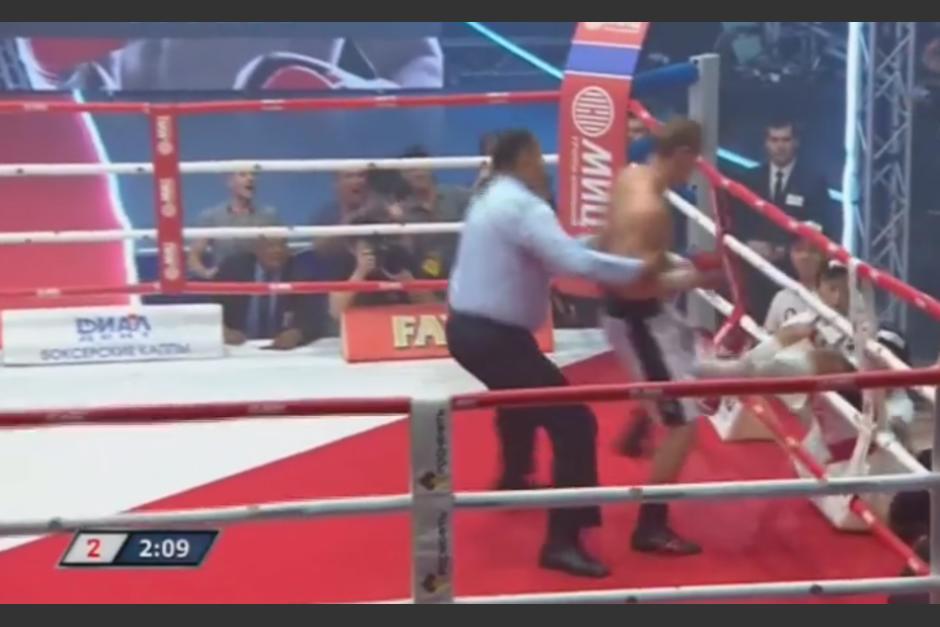 El boxeador ruso sacó del cuadrilátero al japonés con un par de golpes. (Imagen: Captura de pantalla)