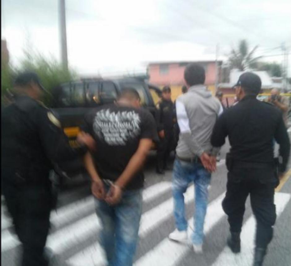 Los dos menores fueron ligados a proceso por llevar a cabo el ataque armado en la zona 7 capitalina. (Foto: PNC)