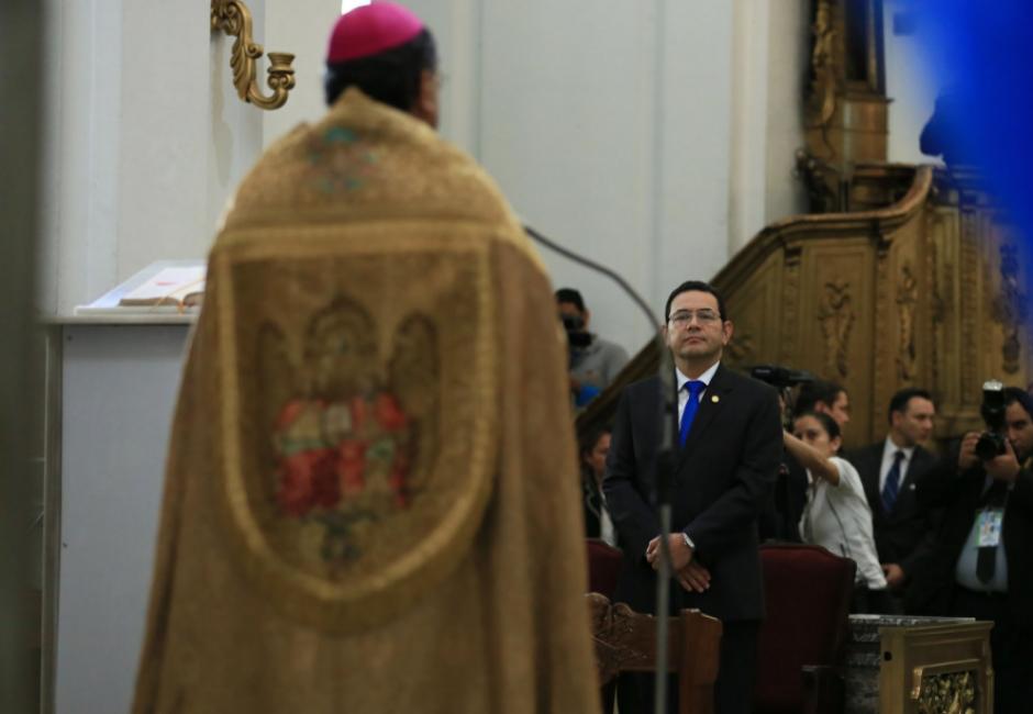 En el Te Deum estuvo el arzobispo Óscar Julio Vian Morales. (Foto: Twitter/Gobierno de Guatemala)