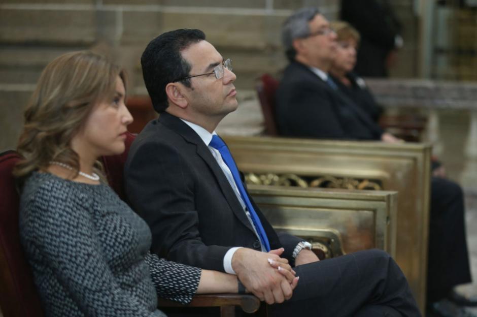 La esposa del presidente también estuvo en la ceremonia. (Foto: Twitter/Gobierno de Guatemala)