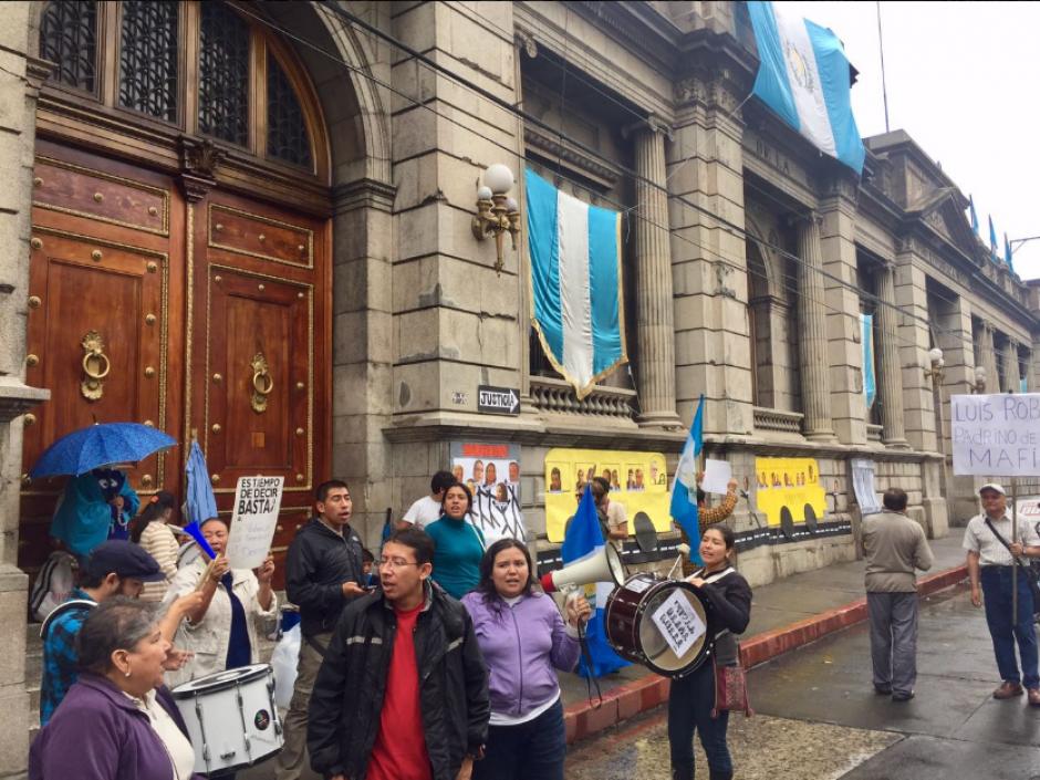 Para este sábado 17 de septiembre se convocó a una nueva manifestación frente al Congreso de la República. (Foto: Twitter, La Batucada)