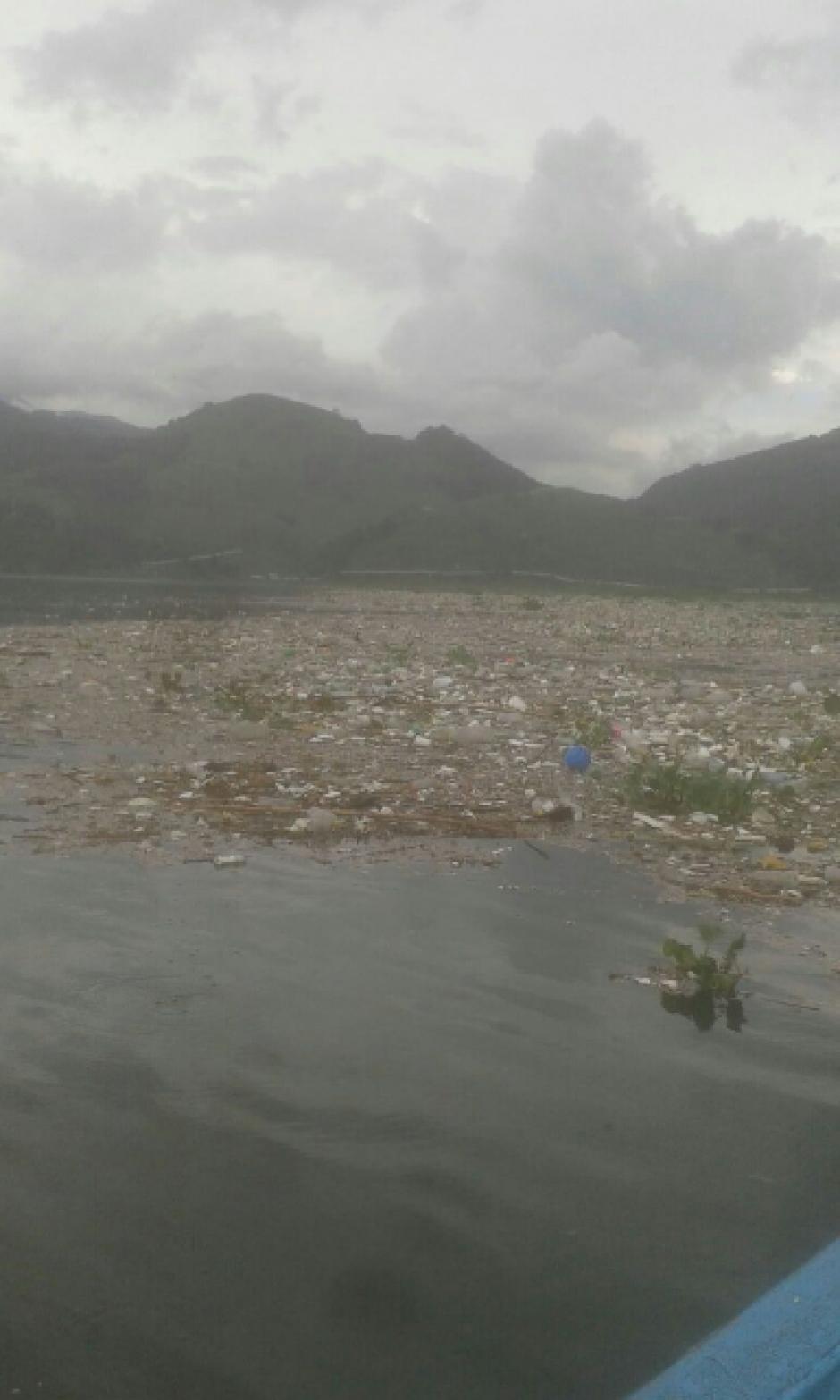 De acuerdo al director de Amsa todos los días se acumula aproximadamente mil metros cúbicos de material sólido. (Foto: Twitter, AMSA)