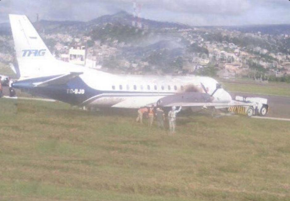 Los 19 pasajeros a bordo están a salvo y fueron evacuados. (Foto: Twitter, Hoy Mismo)